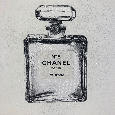 Chanel White by Elisa Cantarelli