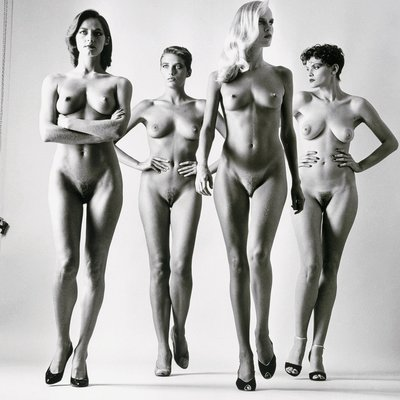 Sie Kommon Nude by Helmut Newton